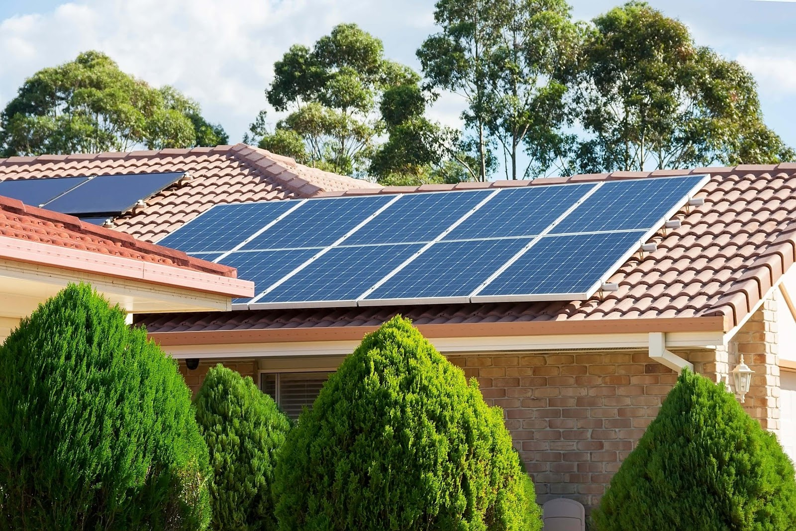 Energia solar: descubra todos os benefícios e incentivos